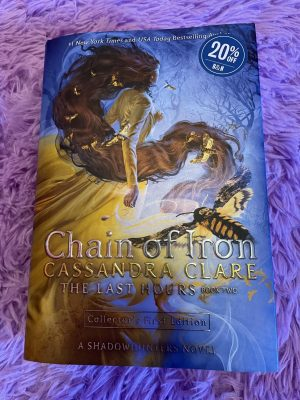 Chain of Iron is the second book of The Last Hours series, part of The Shadowhunters Chronicles by Cassandra Clare.